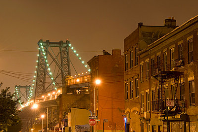 Williamsburg Bridge, Brooklyn, New York City - p5690106 by Jeff Spielman