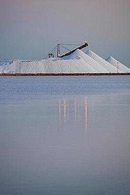 Salt - p628m670020 by Franco Cozzo