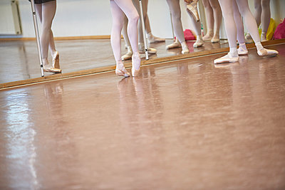Ballet classes - p133m1044524 by Martin Sigmund