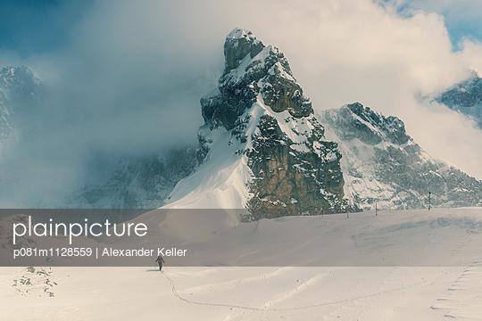 Tourengeher im Karwendel - p081m1128559 von Alexander Keller