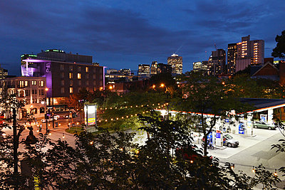 Montreal bei Nacht - p954m1171365 von Heidi Mayer