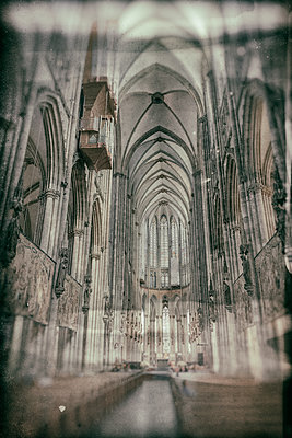 Cologne Cathedral interior view - p401m2128119 by Frank Baquet