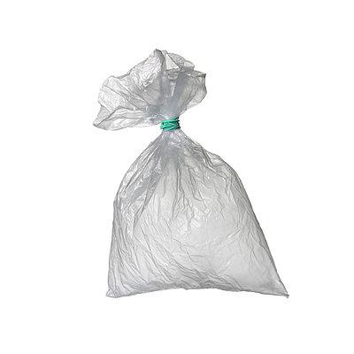 Zugeschnürter Müllsack - p6760030 von Rupert Warren