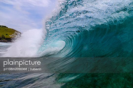 Große Welle - p1108m2090368 von trubavin