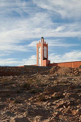 Minarett am Land, Marokko - p1356m1540093 von Markus Rauchenwald