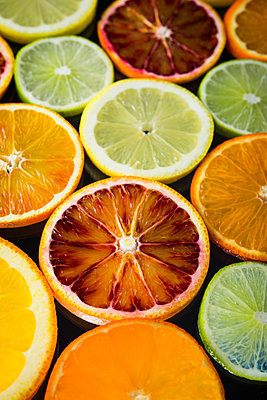 Zitrusfrüchte - p954m1516634 von Heidi Mayer