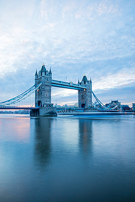 Tower Bridge and River Thames, London, England, United Kingdom, Europe - p871m1143045 by Neil Emmerson