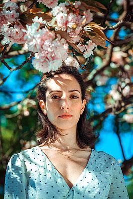 Frühlings-Romantik - p045m2027639 von Jasmin Sander
