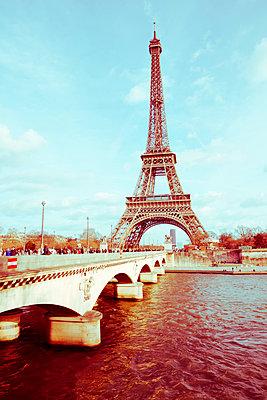Blick auf den Eiffelturm - p432m1217153 von mia takahara
