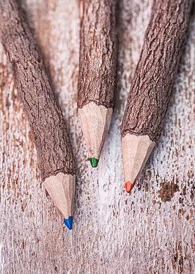 Colour pencils - p971m1480855 by Reilika Landen