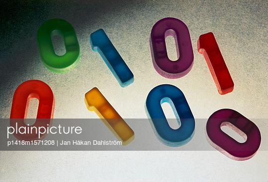 Codes - p1418m1571208 von Jan Håkan Dahlström