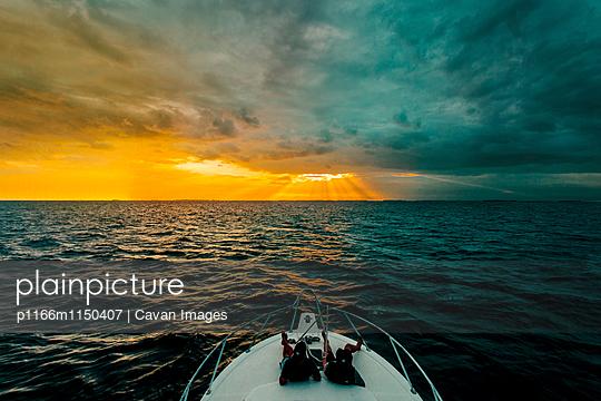 p1166m1150407 von Cavan Images