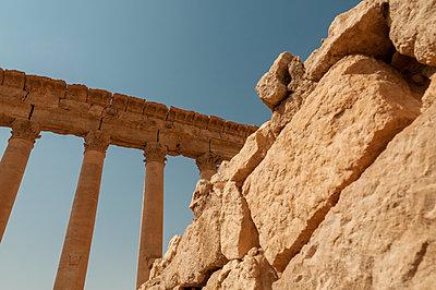 Ruinen der Oasenstadt und UNESCO-Weltkulturerbe Palmyra/Tadmor nahe Damaskus, Syrien - p1493m2063577 von Alexander Mertsch