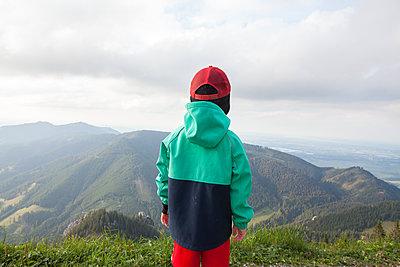 In the mountains - p454m2152812 by Lubitz + Dorner