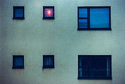 Christmas light in window - p1418m1571407 by Jan Håkan Dahlström