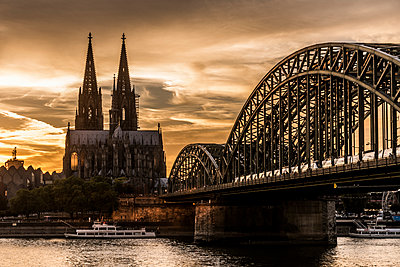 Cologne Cathedral in the sunset - p401m1207772 by Frank Baquet