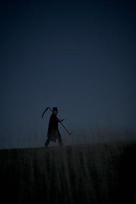 The Grim Reaper - p1312m1137749 by Axel Killian