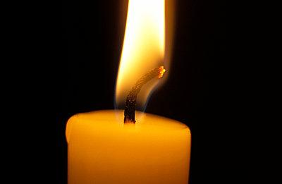 Brennende Kerze - p2230004 von Thomas Callsen