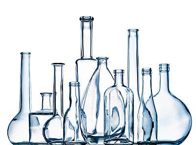 Schapsflaschen - p509m1464850 von Reiner Ohms