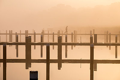 Germany, Fischland-Darss-Zingst, Prerow, Prerowstrom, morning mood at harbour - p300m1121180 by Martin Siepmann