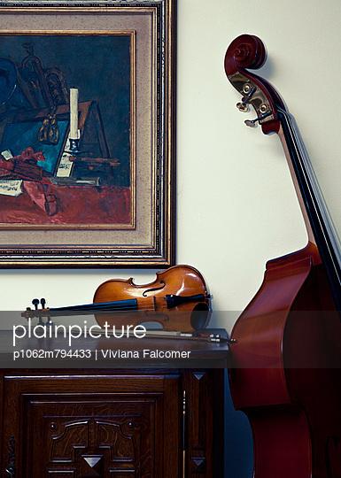 Streichinstrumente - p1062m794433 von Viviana Falcomer