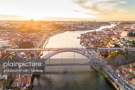 Portugal, Porto, View of the Douro, with the monastery, Luis bridge and the old harbor - p1332m2197109 by Tamboly