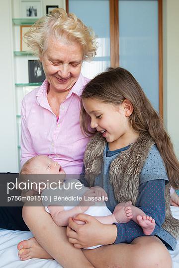 Proud grandmother - p756m891578 by Bénédicte Lassalle