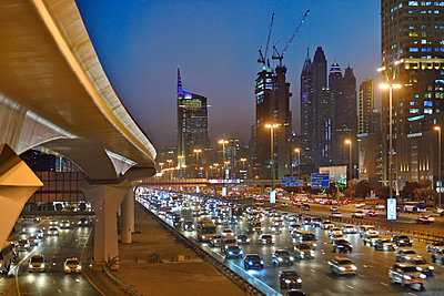 Dubai Internet City rush hour motorway traffic E11 - p1048m1512725 by Mark Wagner