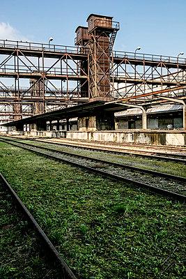 Abandoned Industrial station Platform - p1082m1564545 by Daniel Allan