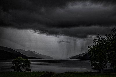 Loch Ness in Schottland - p1243m1144243 von Archer