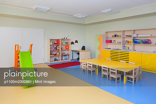 Modern day care nursery or pre-school kindergarten school, spacious interiors, classroom - p1100m2300881 by Mint Images