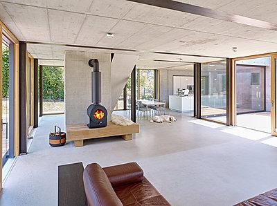 Luxuriöses Wohnzimmer - p1209m2217543 von Guido Erbring