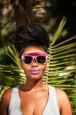Coole Rastafari-Frau - p045m1465150 von Jasmin Sander