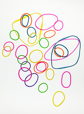 Rubber bands - p971m1109155 by Reilika Landen