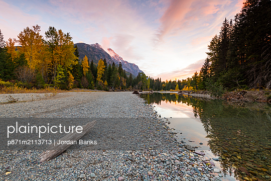 Sunset at Avalanche Creek, Glacier National Park, Montana, United States of America, North America - p871m2113713 by Jordan Banks