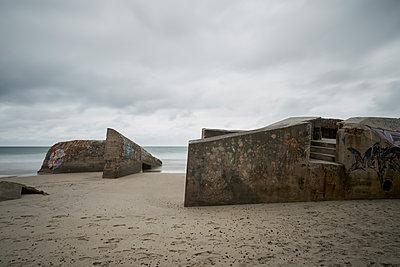 Bunker on beach - p1312m1502232 by Axel Killian