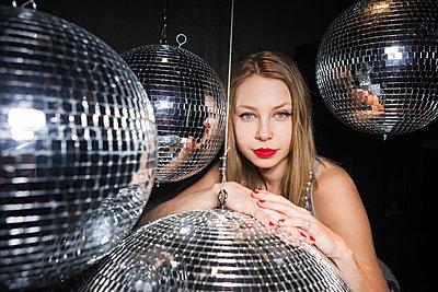 Nachtleben-Glamour - p045m2054931 von Jasmin Sander