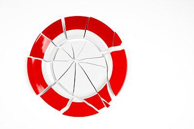 Broken plate - p179m2231814 by Roland Schneider
