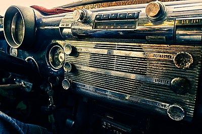 Outworn oldtimer equipment - p1171m1461929 by SimonPuschmann