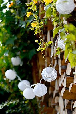 Gartenparty - p949m902539 von Frauke Schumann