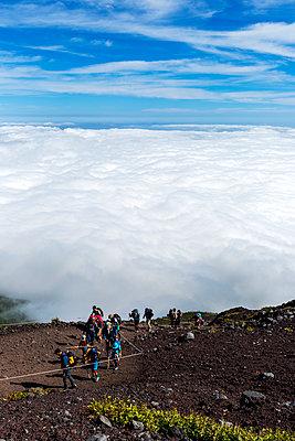 Am Fuji - p1271m2055377 von Maurice Kohl