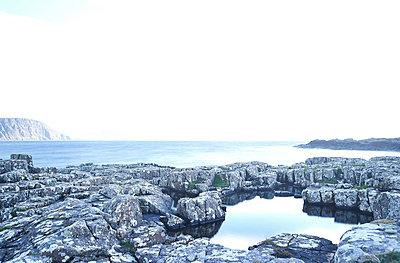 Sea and lake - p587m1104251 von Spitta + Hellwig