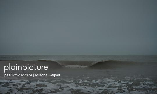 Stürmische See - p1132m2027974 von Mischa Keijser
