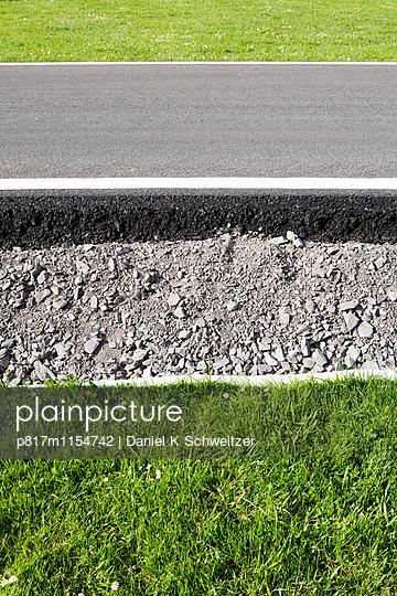 Straßenrand - p817m1154742 von Daniel K Schweitzer