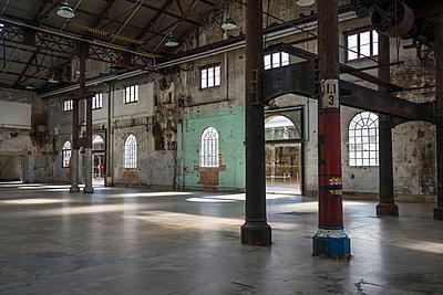 Interior of an industrial building - p1170m1044329 by Bjanka Kadic