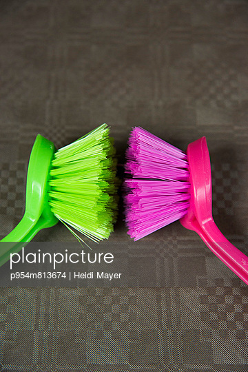 Dishwashing brushes - p954m813674 by Heidi Mayer