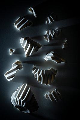 Broken vase - p1149m2187976 by Yvonne Röder