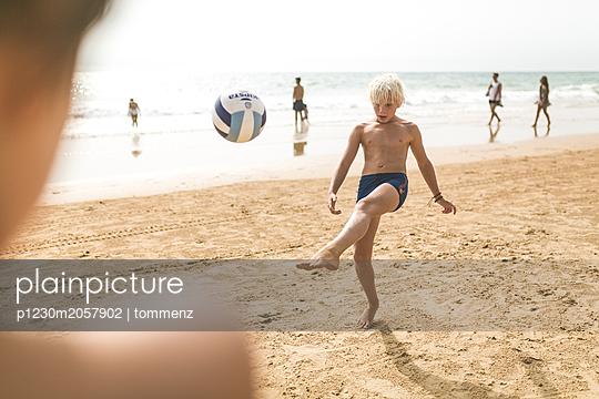 Strand Sport - p1230m2057902 von tommenz