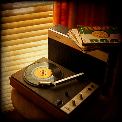 Old portable record player - p1072m829125 by Kevin Mallia