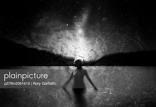p378m2061619 von Rory Garforth
